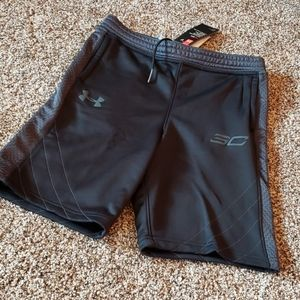 New youth large under armour shorts